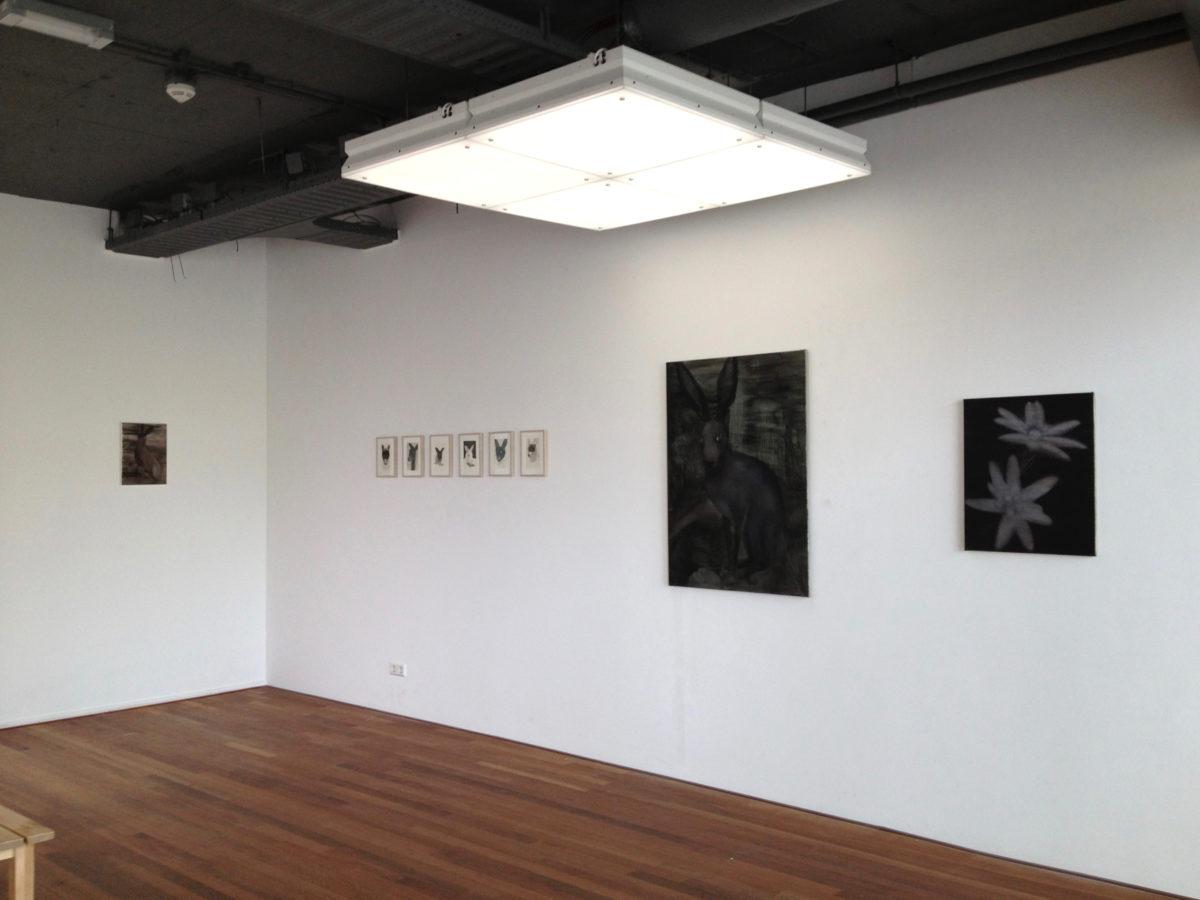 Exhibition view: Deer blind/Frozen skin, galerie de Meerse, Hoofddorp, 2013