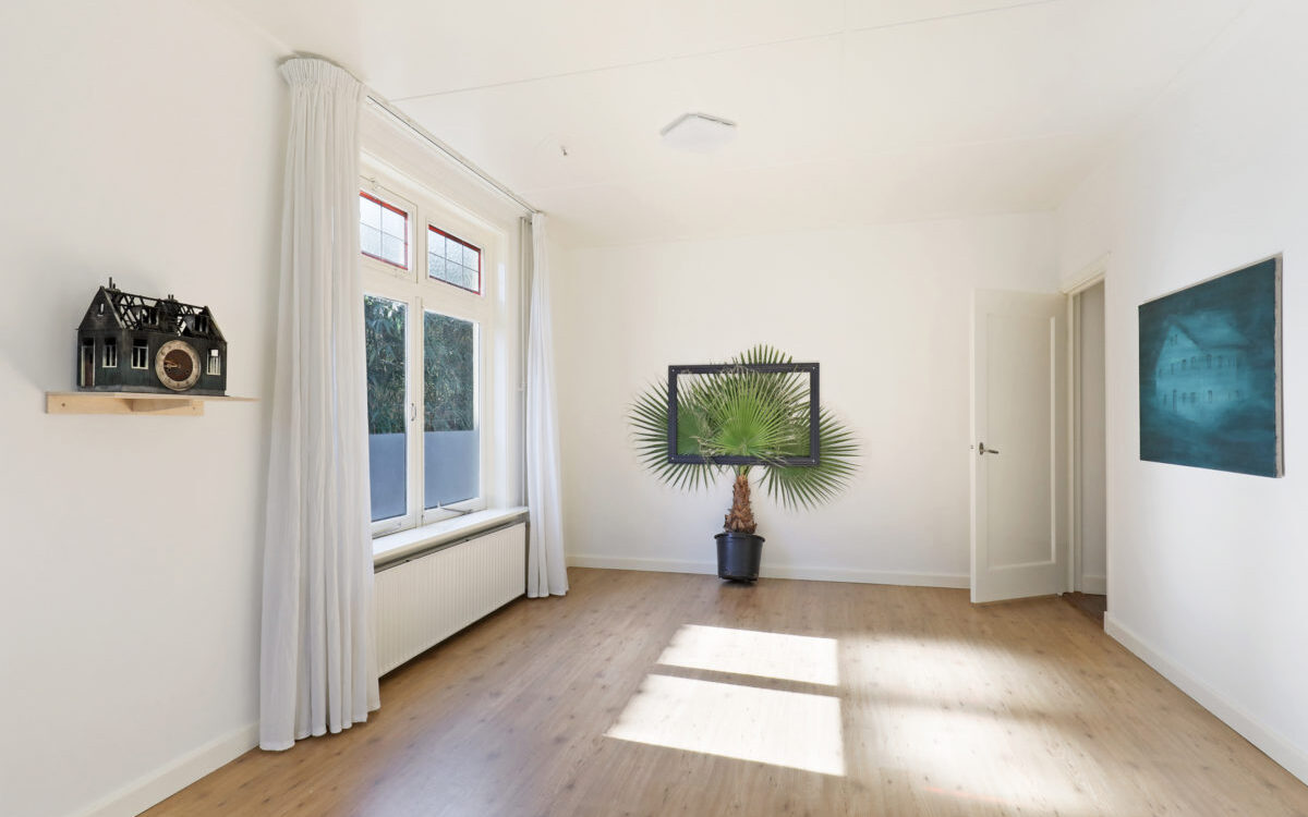 Exhibition view: House for sale, living room, right Green house Anne van As, left Frank Halmans and middle Annegret Kellner, 2019